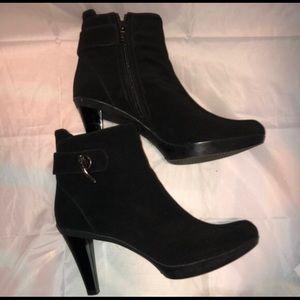 Stuart Weitzman - Black Heeled Boots